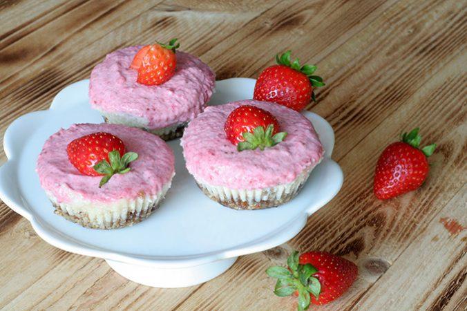 muffinki-sernikowo-truskawkowe