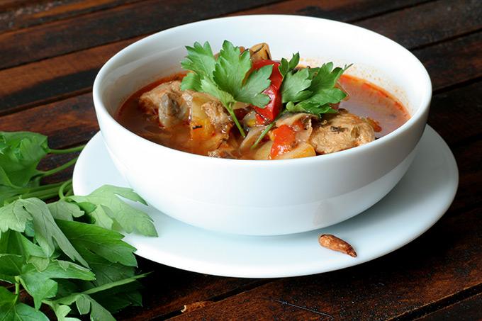 gulaszowa-zupa